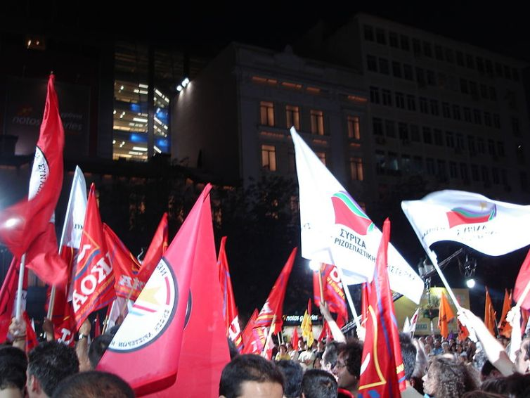 800px-SYRIZA_flags_2007